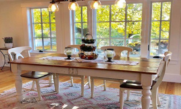 Belle table familiale de ferme personnalisée