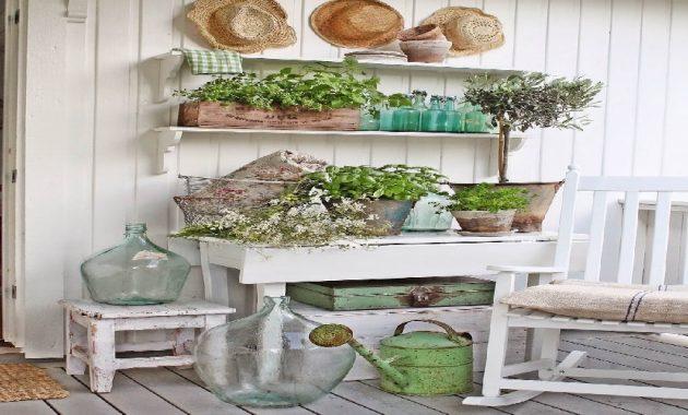 Verts frais et verre aqua